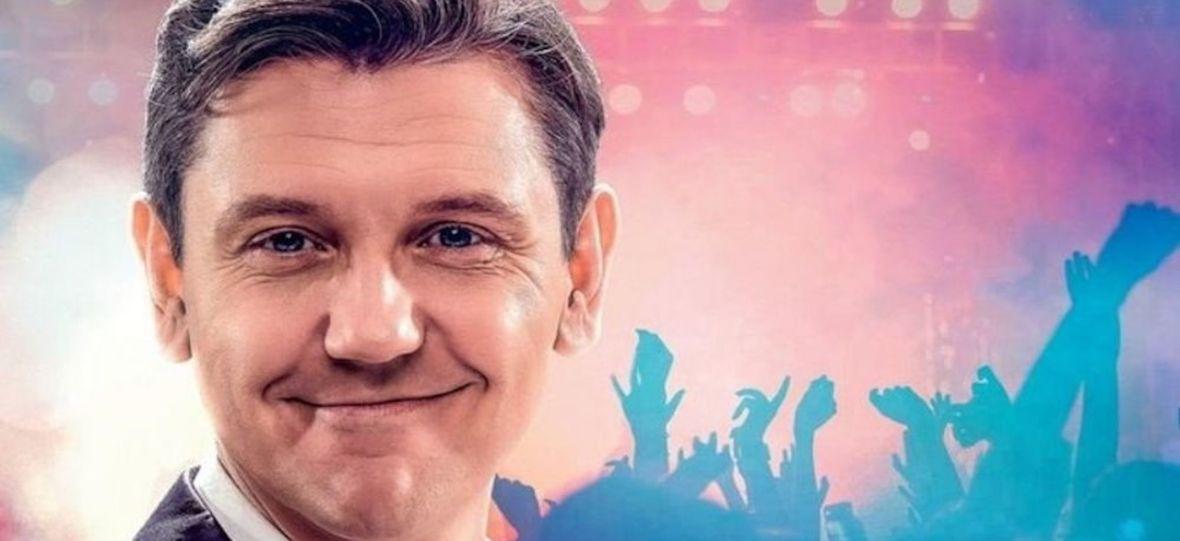 """Europa obejrzy film o królu disco-polo. Licencję filmu """"Zenek"""" kupiły m.in. Islandia i Szwajcaria"""