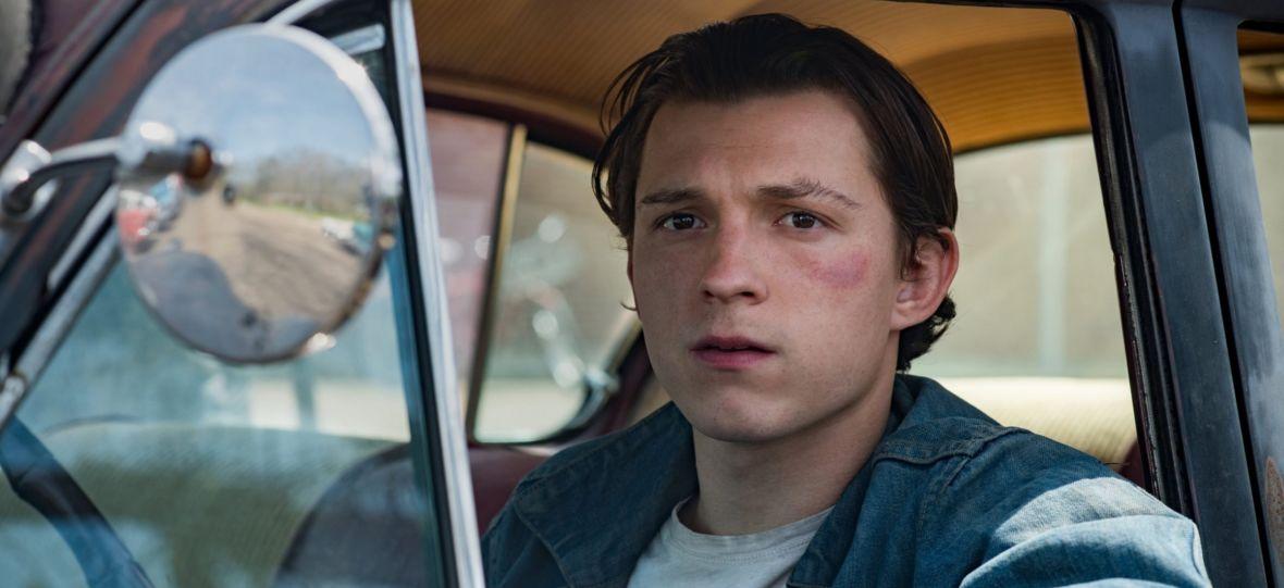 """Netflix pokazał zdjęcia z filmu """"Diabeł wcielony"""". W obsadzie Tom Holland, Robert Pattinson i wiele innych gwiazd"""