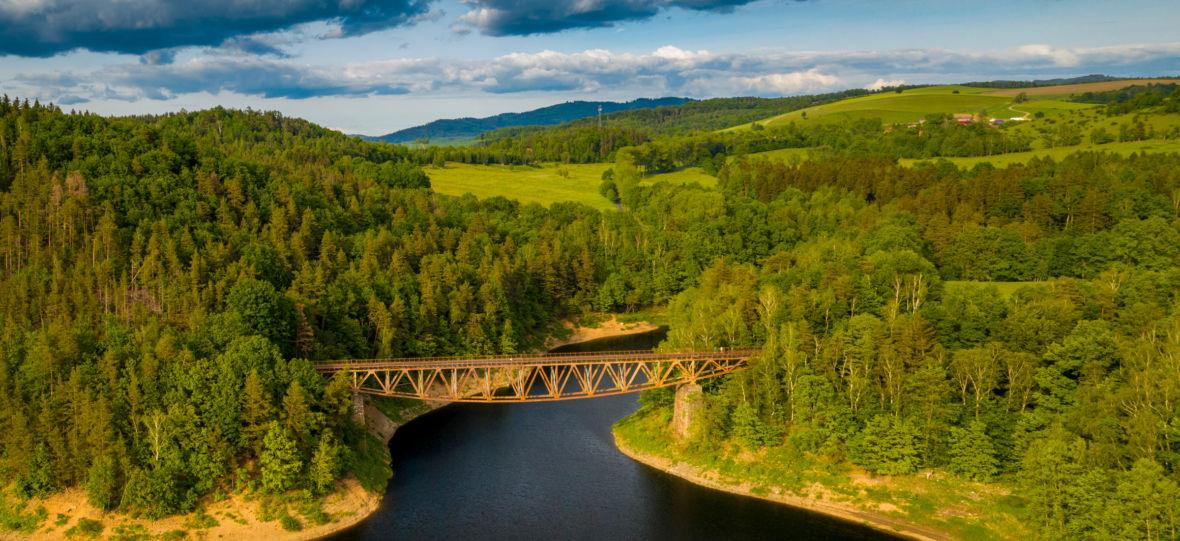 """Afera wokół mostu w Pilchowicach zalicza kolejne okrążenie. Tym razem """"zniszczyć"""" go chce nie Hollywood, ale polscy filmowcy"""
