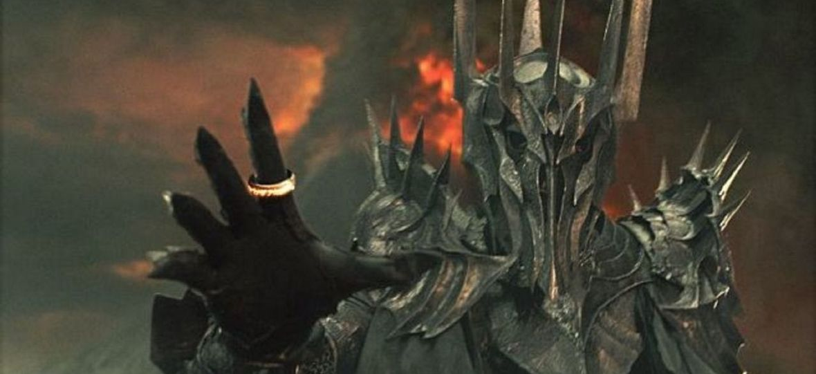 """""""Władca Pierścieni"""" wraca na plan, a w serialu pojawią się Elrond, Galadriela i Sauron. Co te postaci robiły w trakcie II ery?"""