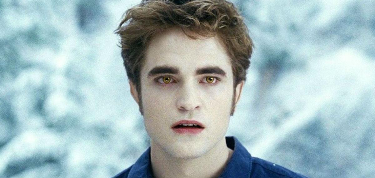 Robert Pattinson jako wampir Edward w filmie Zmierzch