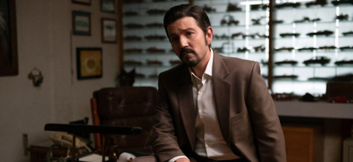 """Netflix zapowiada 3. sezon """"Narcos: Meksyk"""". Diego Luna nie powróci, ale aktor grający Pablo Escobara już tak"""