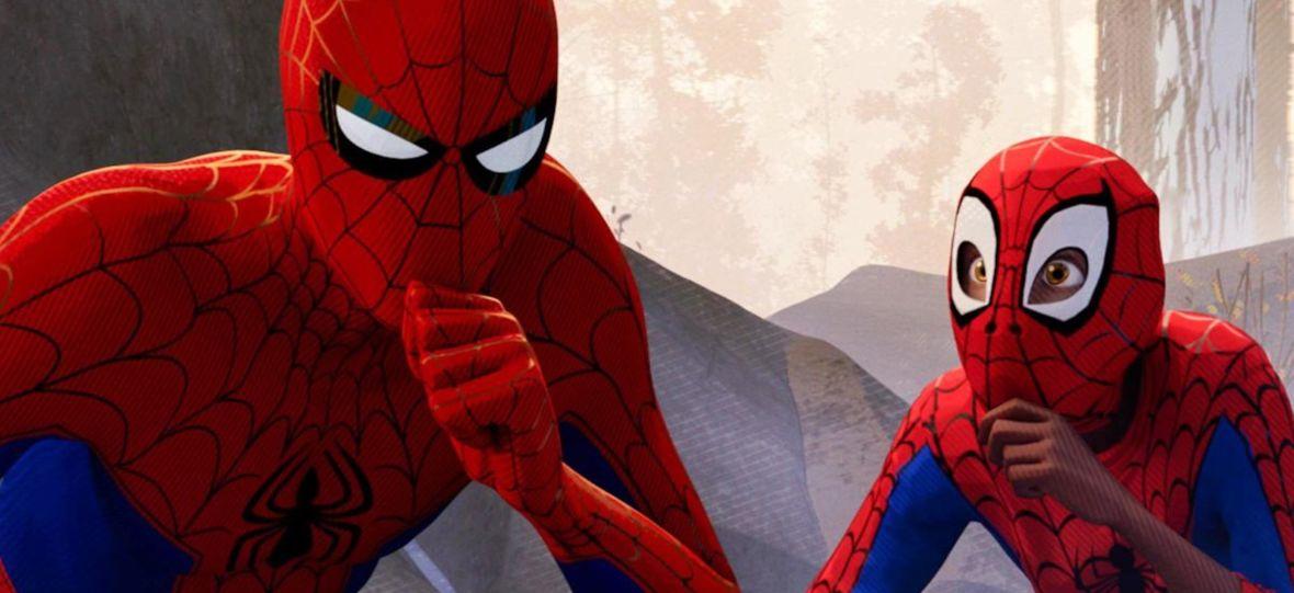 """Studenci, nie marudźcie. Netflix właśnie dodał film """"Spider-Man: Uniwersum"""" i innych 30 tytułów"""