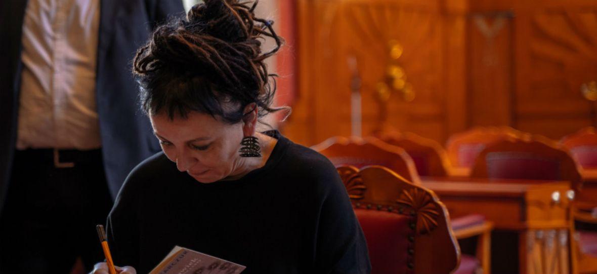 Olga Tokarczuk jest już w Arktyce. Dzieła noblistki trafiły do Biblioteki Końca Świata na wyspie Spitsbergen