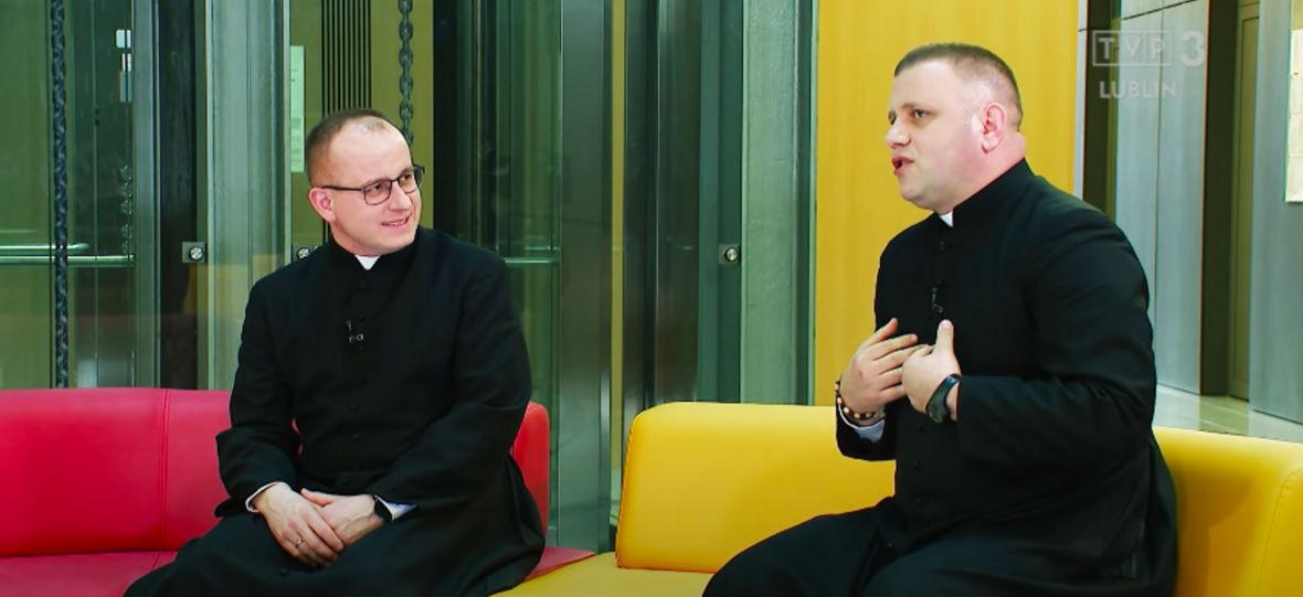 """Obejrzałem nowy katolicki program TVP i straciłem 13 minut życia. """"Essa"""" wywołuje ciarki żenady"""