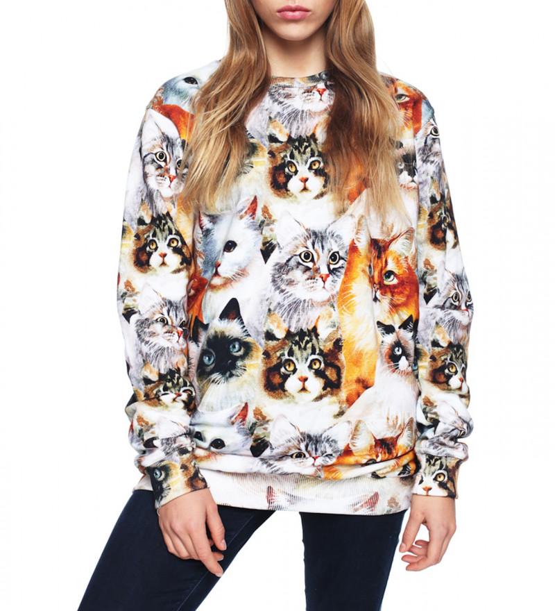 sweatshirt with cat heads motive