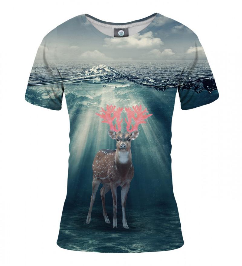 tshirt with deer on water