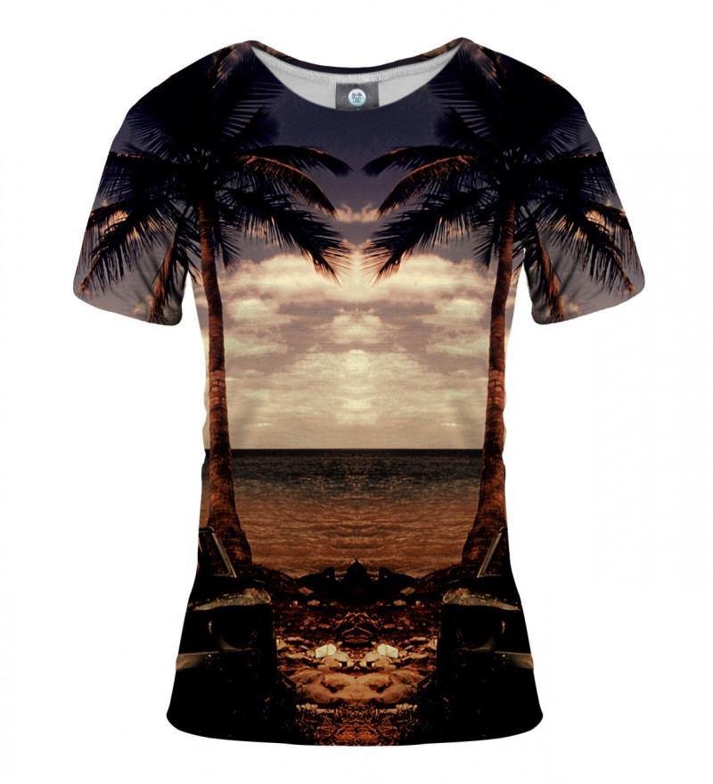 women tshirt with beach and palmtrees motive