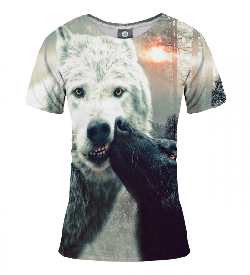tshirt with kissing wolfies motive