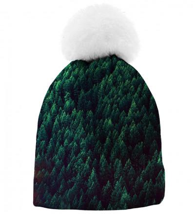 czapka z motywem lasu