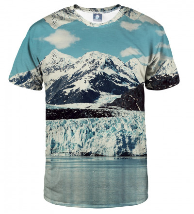tshirt with snowy mountains motive