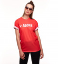 czerwona koszulka  z napisem aloha