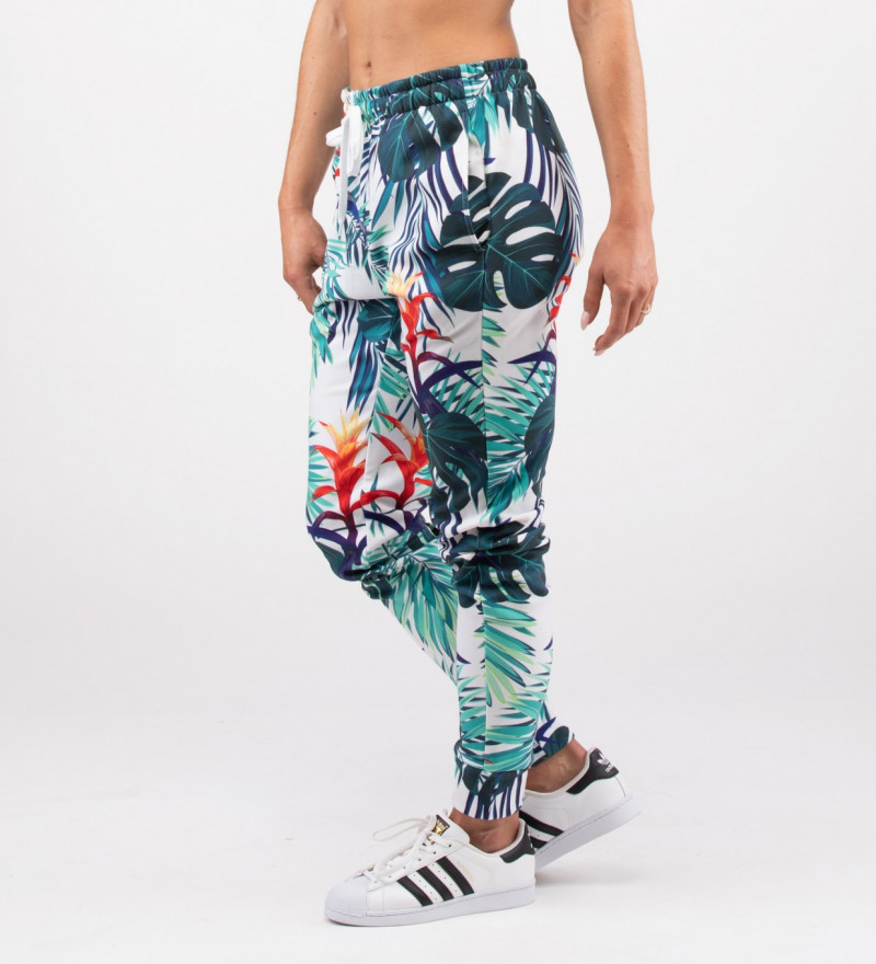 sweatpants with monstera leaves motive