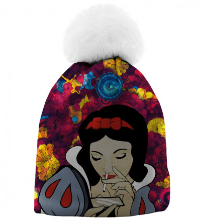 beanie with snow white motive