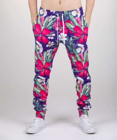 sweatpants with flowers motive