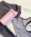 Pastelowo-różowy shaker get it girl 3