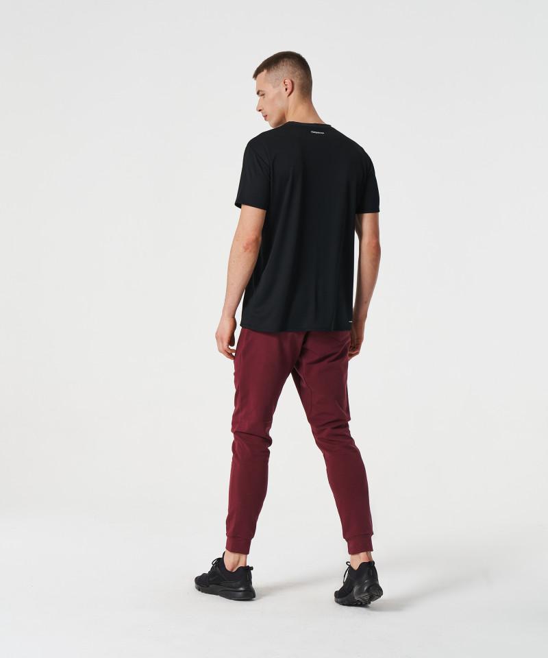 Czarny t-shirt termoaktywny 3