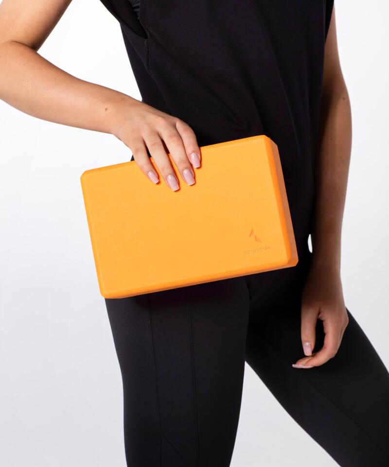 Pomarańczowy blok do jogi 3