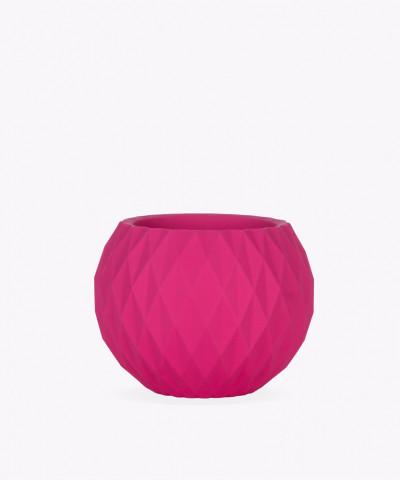 Różowa betonowa doniczka kula