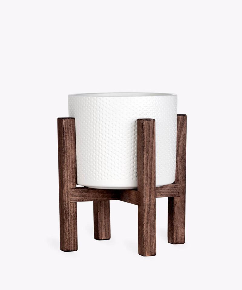 Stojak drewniany w kolorze brązowym z kremową doniczką