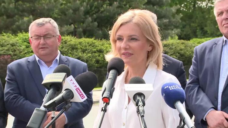 janowice-minister-infrastruktury-wizytowal-droge-laczaca-gminy-plesna-i-zakliczyn-z-tarnowem.mp4