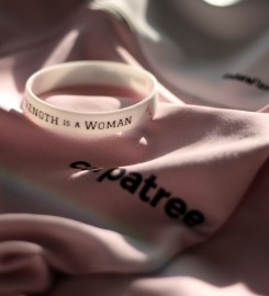 Carpatree, Wristband Strength is a Woman Thumbnail $i