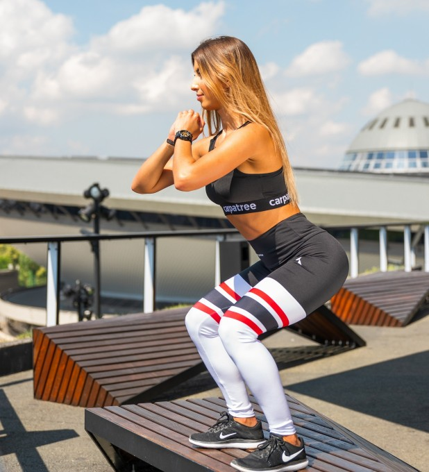 Black & Red High Socks Highwaist Leggings Thumbnail 1